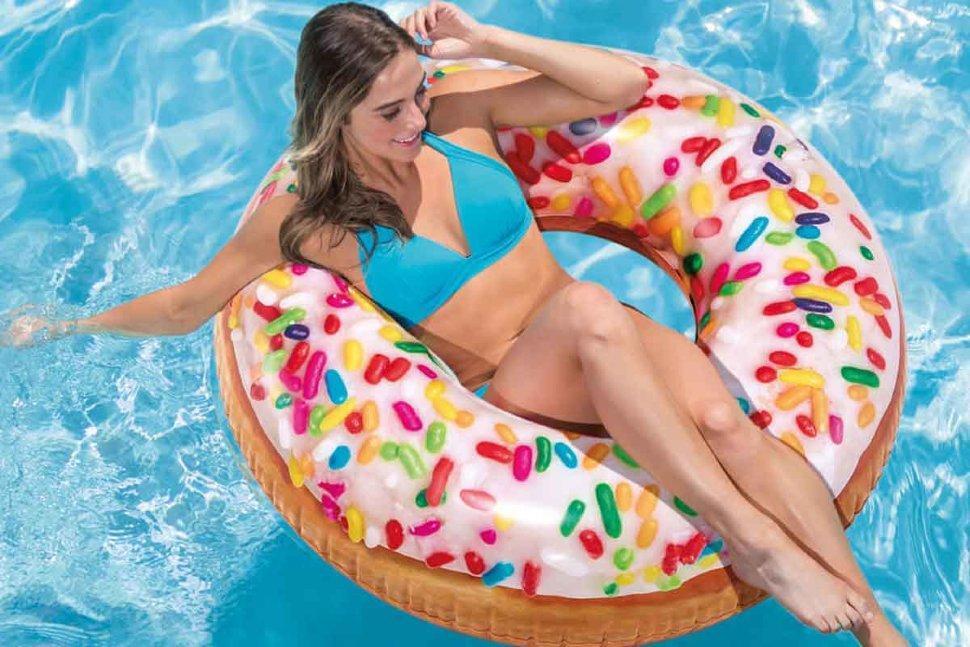 Надувной круг intex пончик с присыпкой 114см 14+