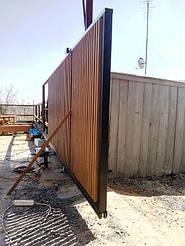 Заполнение каркаса откатных ворот деревянным брусом (штакетником)