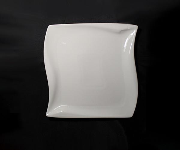 Тарелка квадратная фигурная фарфоровая HLS Extra white 170х170 мм (W0150)