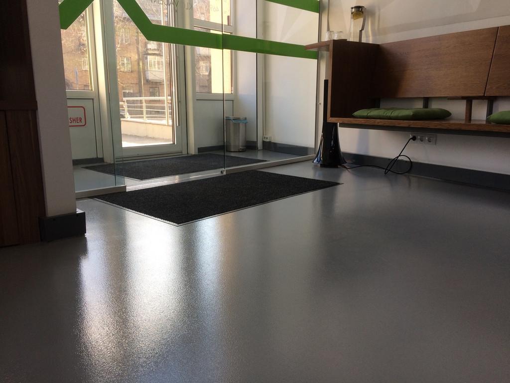 Восстановление полимерного наливного покрытия