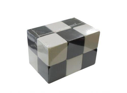 Кубики деревянные черно-белые (12 штук) Д447у