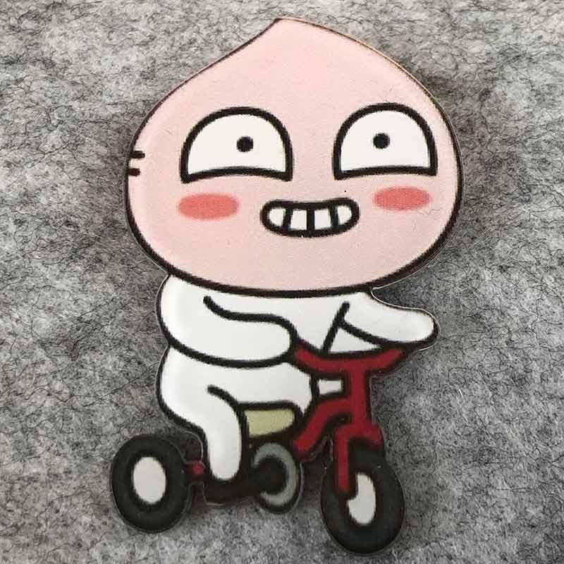 Значок пластик Пин Смайл Лук велосипед