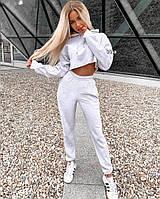 Женский спортивный костюм с укороченным топом