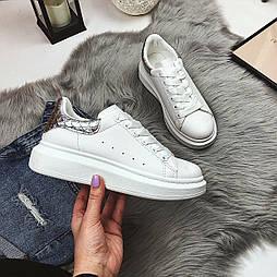 😜 Весенние женские белые кроссовки на высокой подошве с серебристыми вставками