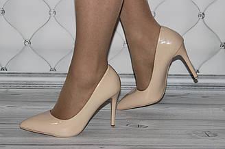 Женские туфли классика бежевого цвета 36