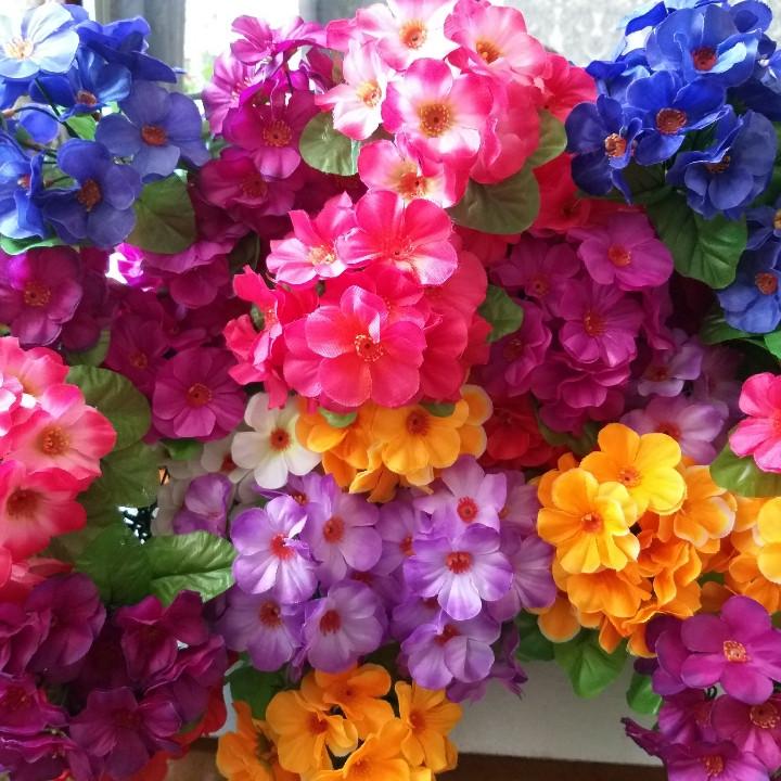 Искусственные цветы фиалки