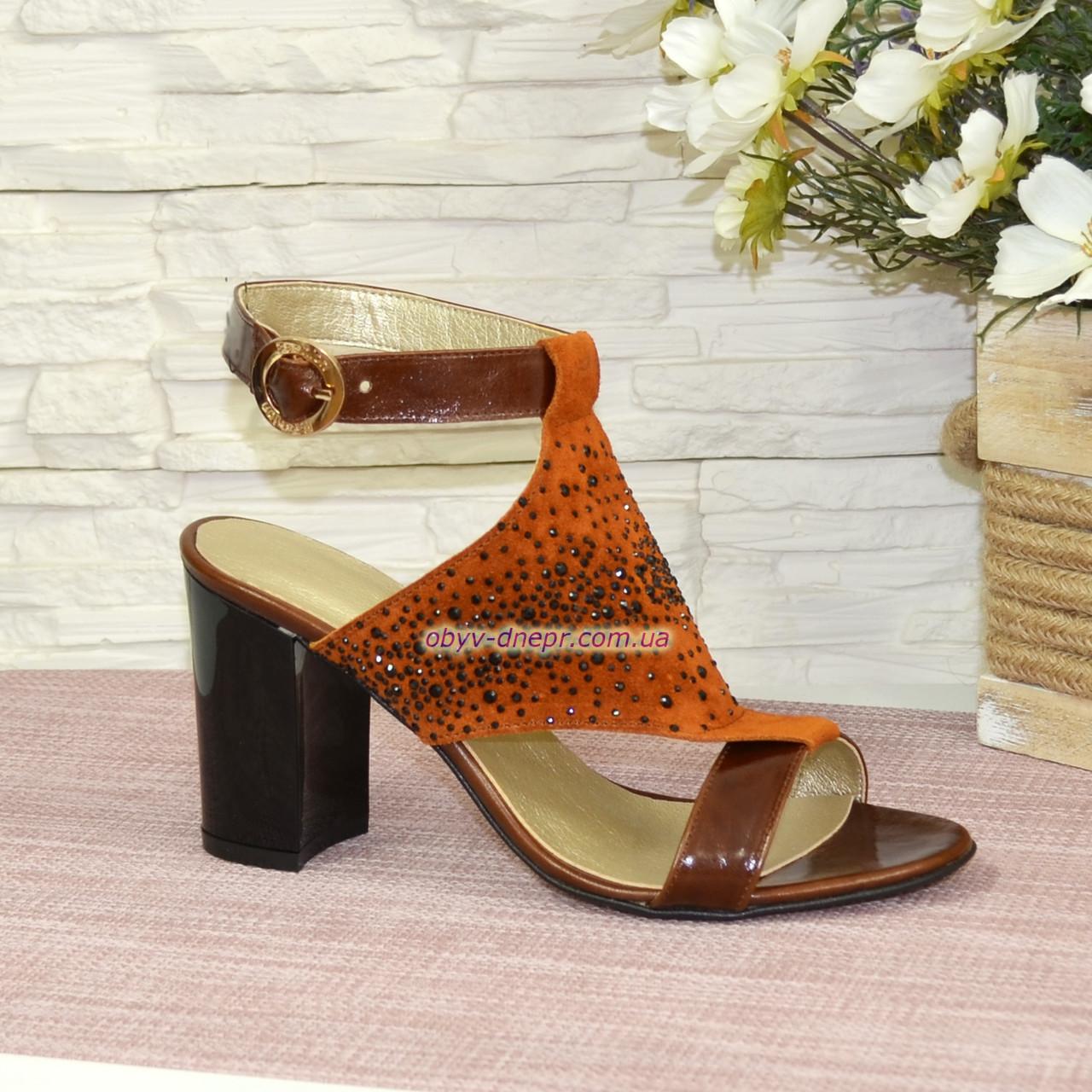 Босоножки женские комбинированные на высоком каблуке
