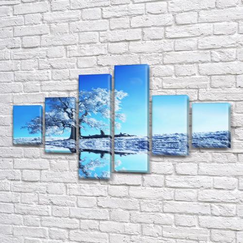 Модульная картина Заснеженное дерево и голубое небо, зима на Холсте син., 70x120 см, (25x18-2/35х18-2/65x18-2), из 6 частей