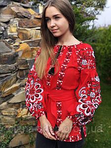 Яскрава жіноча вишиванка червоного кольору у бохо стилі «Людмила»