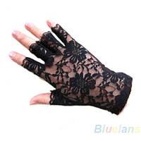 Перчатки кружевные с открытыми пальцами