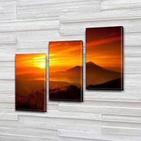 Модульная картина Одинокая гора на закате на Холсте, 100х110 см, (70x35-3), Триптих