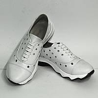 Белые женские кожаные кроссовки на спортивной  подошве, фото 1