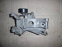 Кронштейн крепления навесного оборудования (1,4 DOHC 16V) Renault Megane II 03-06 (Рено Меган 2), 8200185605