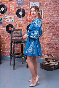 Коротка вишита сукня із льону у бохо стилі в блакитному кольорі «Аліна»