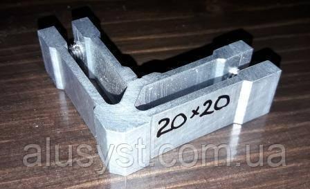 Угловой крепеж для трубы квадратной 20х20 мм