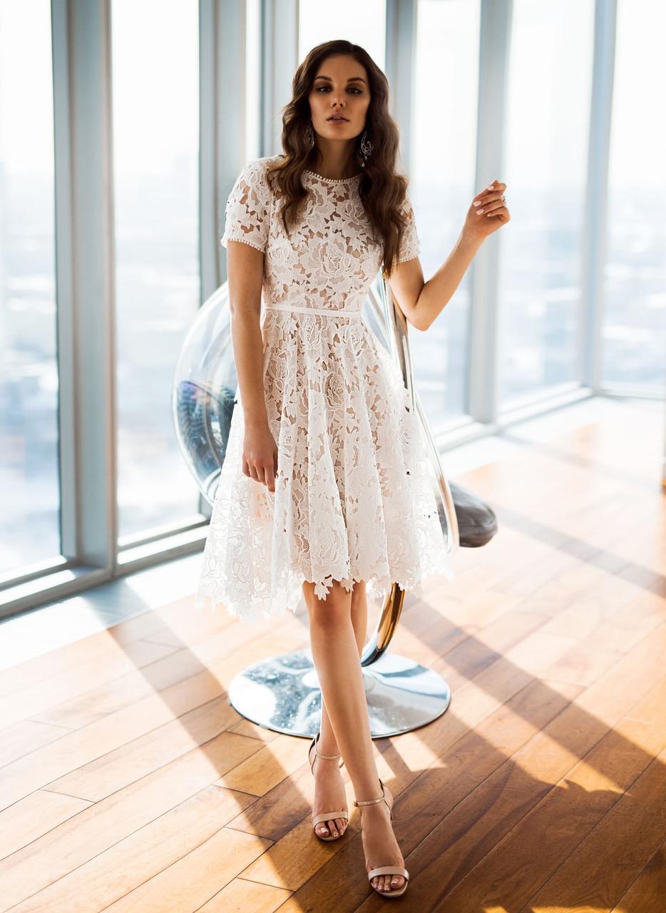 087f9e84882 Короткое свадебное платье с кружева - Ателье свадебной и вечерней моды