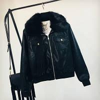 Жіноча куртка з екошкіри чорна з чорним знімним хутром