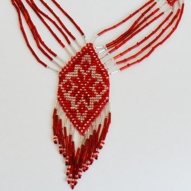 Украинское украшение из бисера