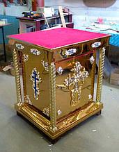 Жертвенник для церкви с крестом и декором с эмалью