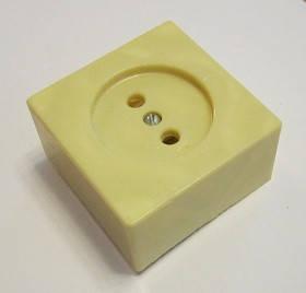 Розетка наружной проводки одинарная 10А 250В