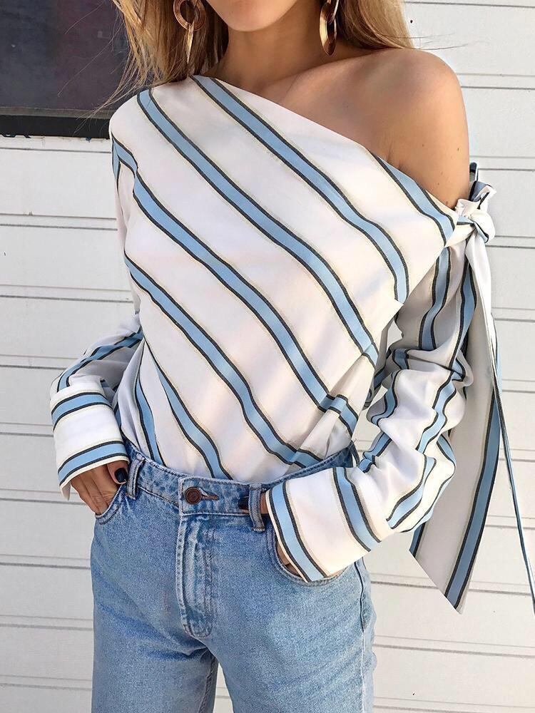 Шифоновая женская блуза в полоску с одним открытым плечом 65rz225