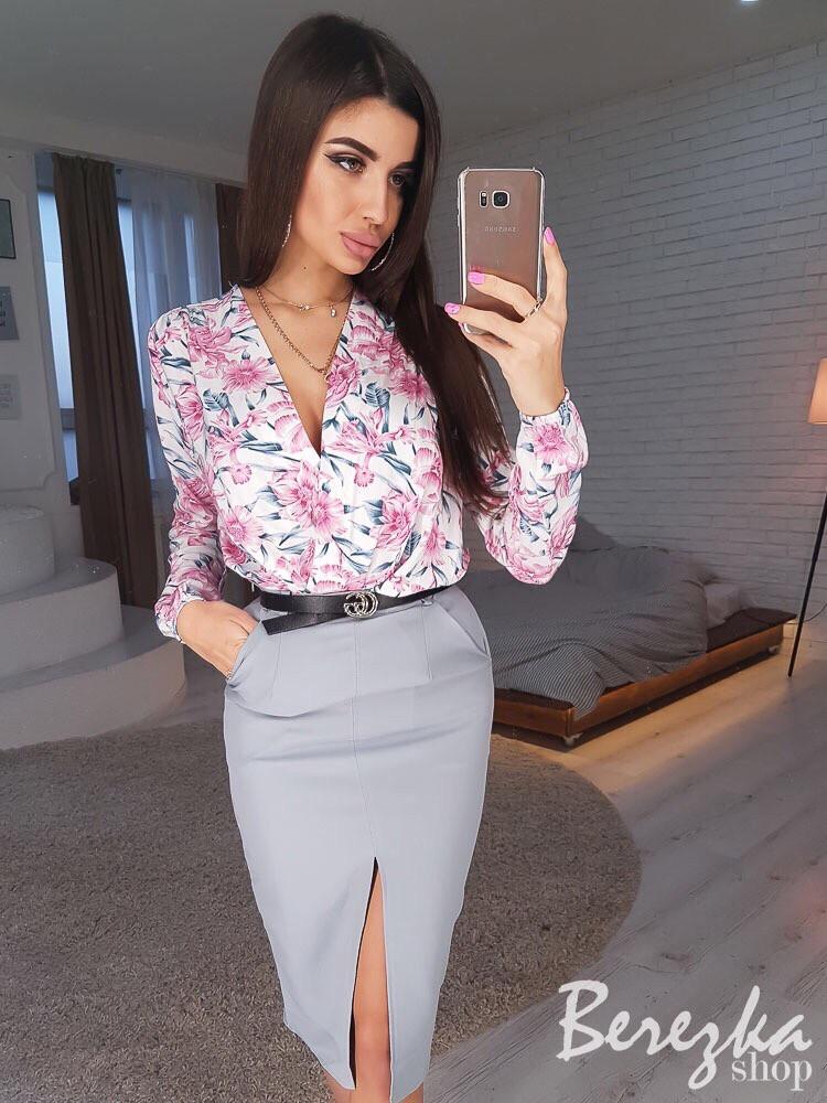 Женский костюм юбочный с боди в принт и юбкой-карандаш 66st1035