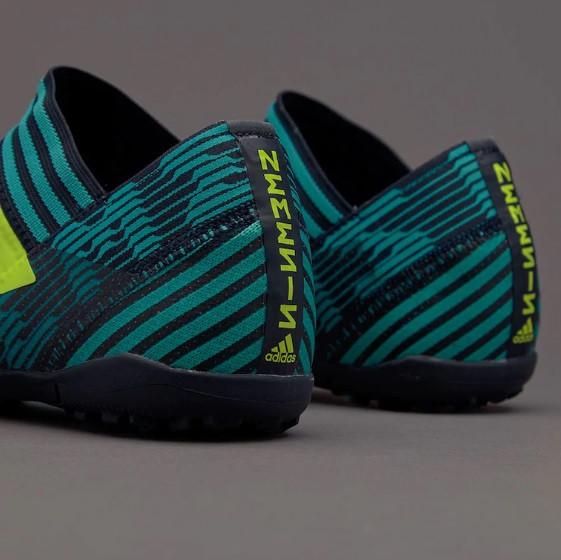 detskie-futbolnye-sorokonozhki-adidas-98q01