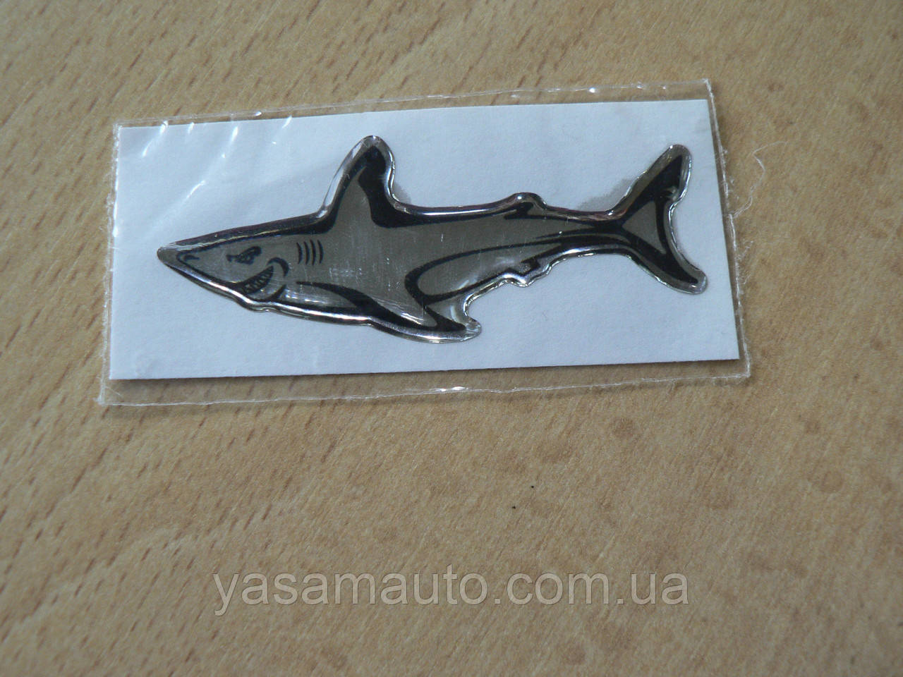 Наклейка s силиконовая Акула зубатая 63х25х1,1мм хром №1 нос влево в на авто