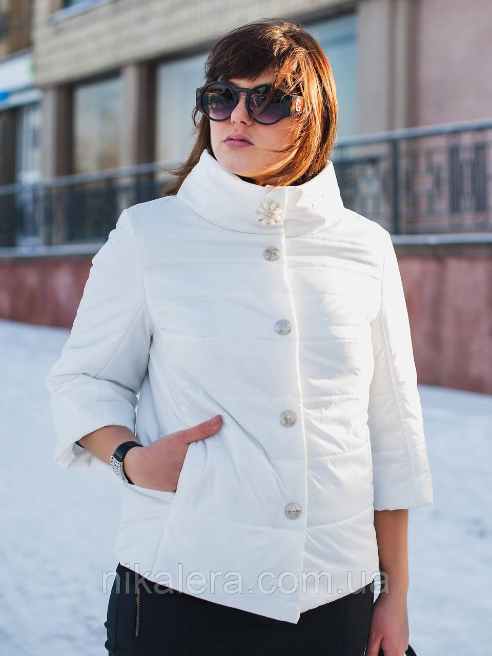Элегантная белая куртка с брошью и рукавом 3/4 рр 54-66