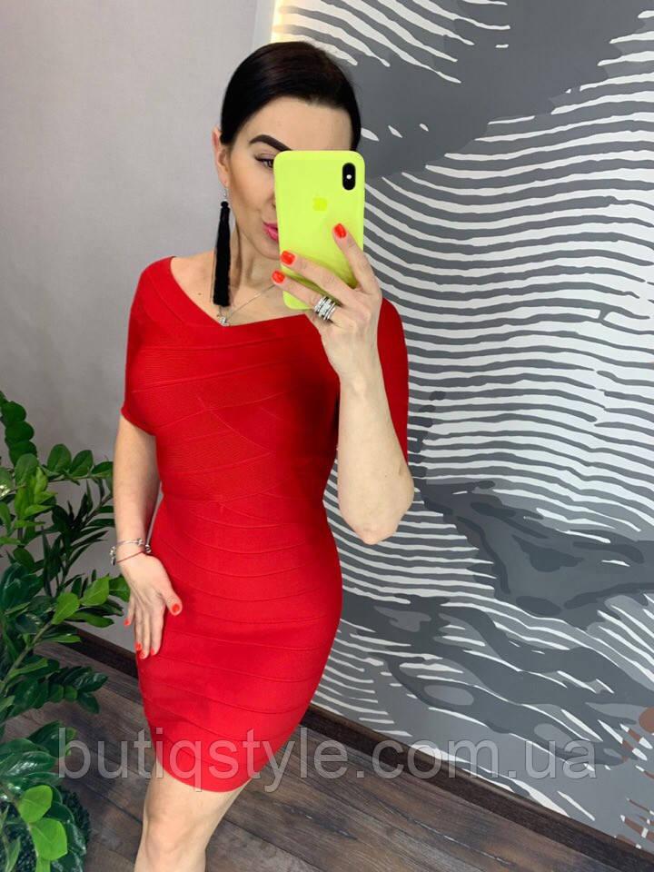 Красивое короткое платье утяжка белое и красное
