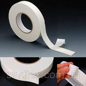 Скотч двухсторонний на вспененной основе 1,8см  х 2мм х 1 метр Цвет - белый