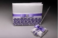Книга пожеланий с ручкой в фиолетовом цвете