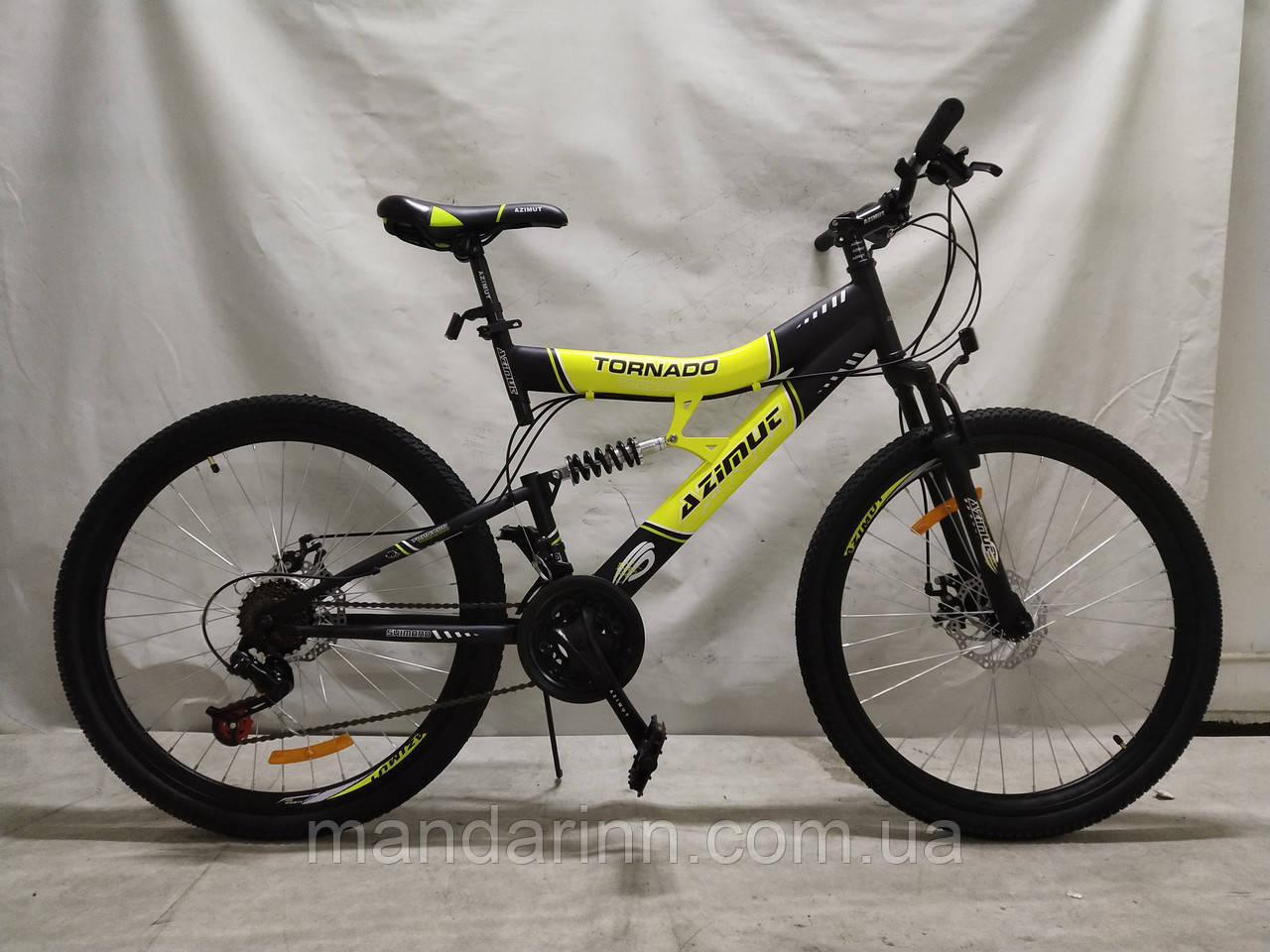 Горный велосипед Azimut Tornado 26 дюймов. Дисковые тормоза. Желтый.
