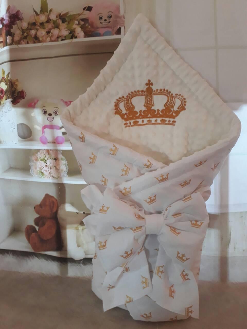 Конверт  для новорожденных  с вышивкой  Короны