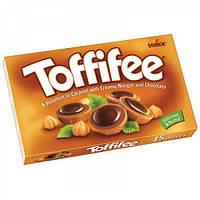 Шоколадные конфеты Toffifee орешки в карамели 125 г