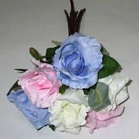 Букет бело-розово-голубых роз 35 см