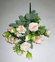 Букет кремово-розовых роз 30 см.