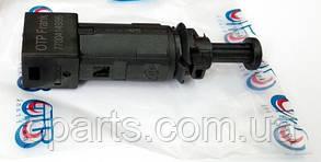Датчик стопів (жаба) Dacia Sandero (OTP 7700414986)(середня якість)
