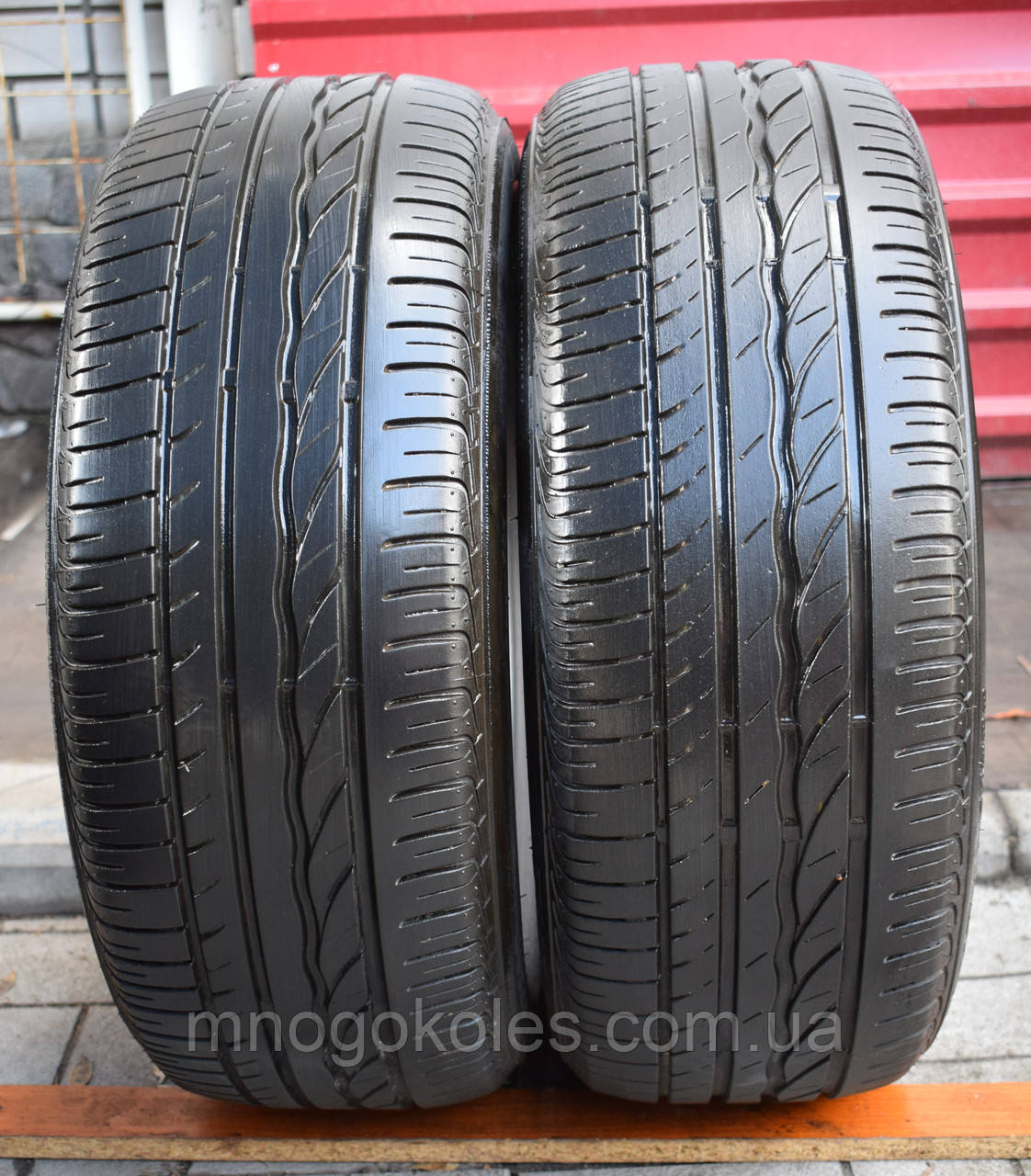 Шины б/у 205/55 R16 Bridgestone Turanza ER300, ЛЕТО, 6 мм, 2015 г., пара