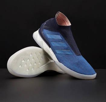 Спортивні кроссовки