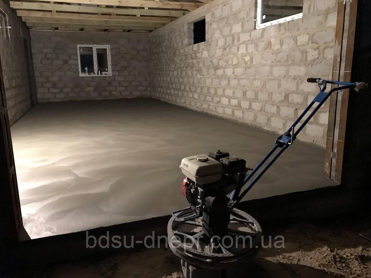 Бетонирование гаража в Днепропетровске с затиркой вертолётом