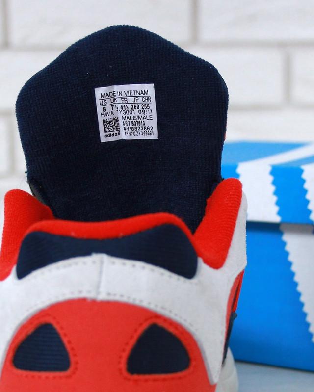 Женские кроссовки Adidas Yung-1