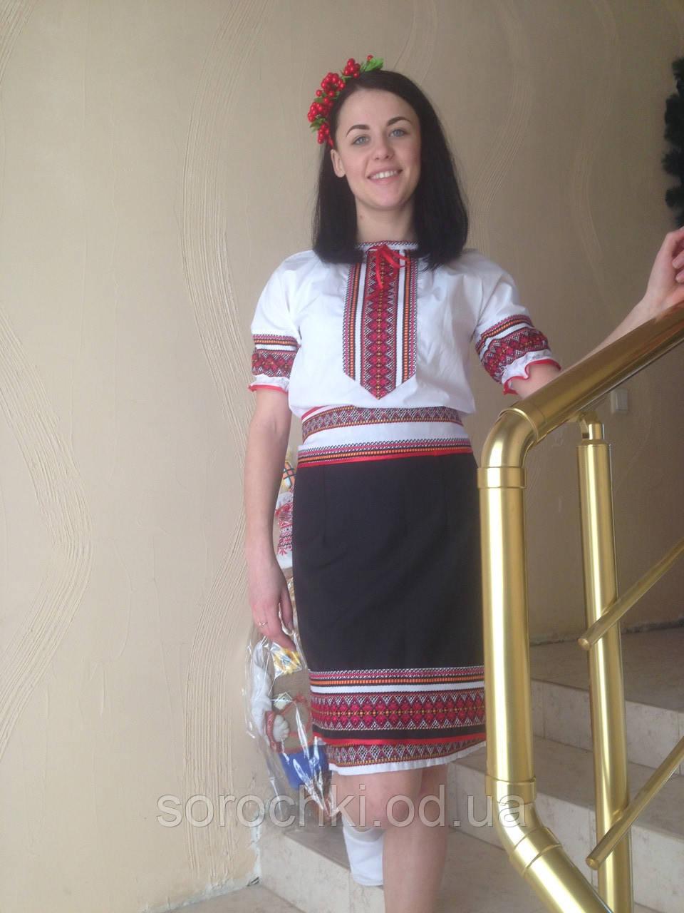 Платье женское, белое, на поплине с вышивкой из декоративной ткани