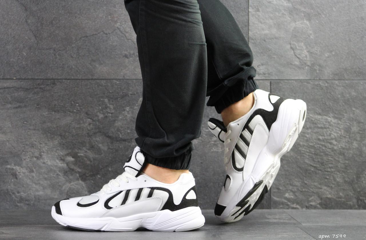 Модні чоловічі кросівки Adidas Yung,замшеві,білі з чорним