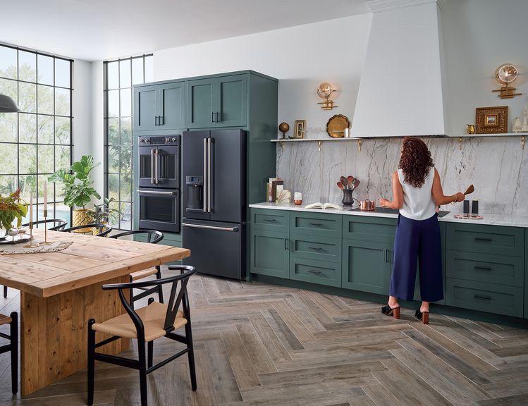 Кухня зеленая на заказ фасады мдф столешница кварц