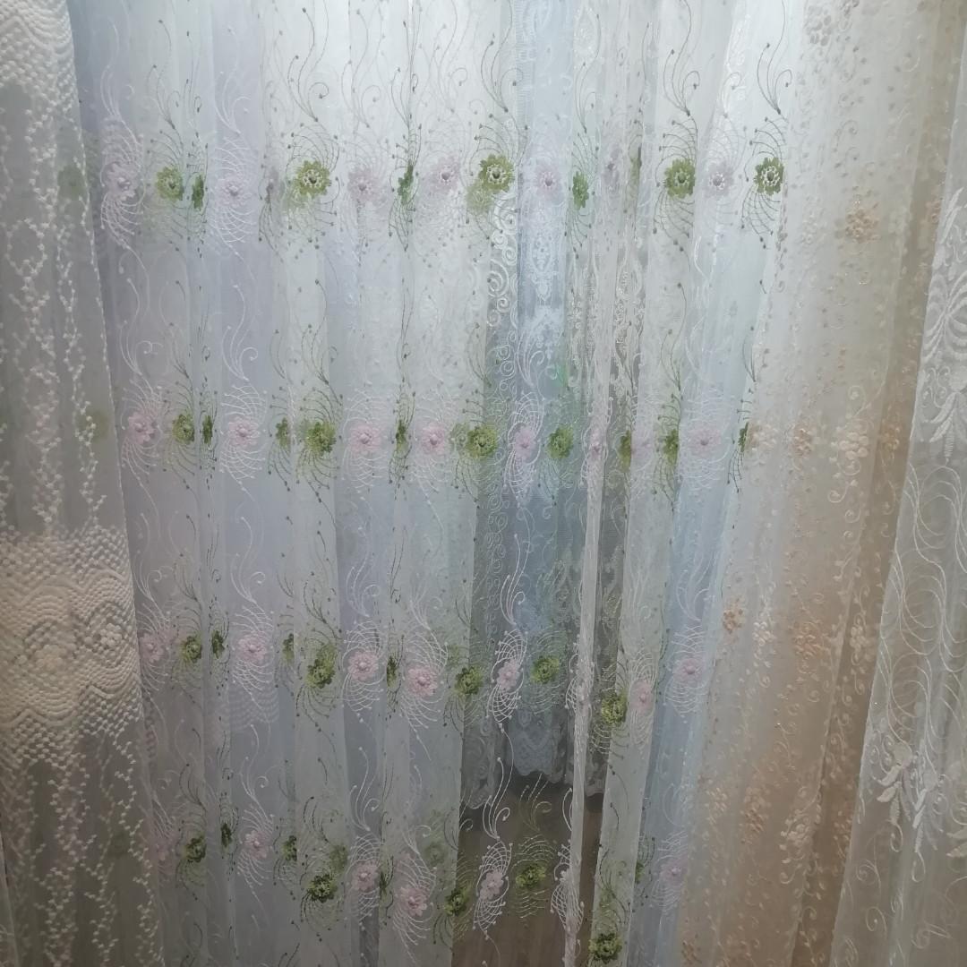 Тюль с белой и зеленой  вышивкой. Высота 3 м. Турция.