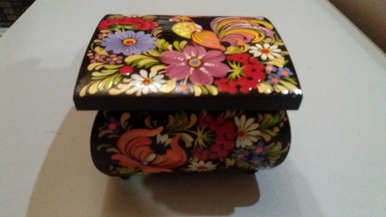 Красива квадратна шкатулка для зберігання дрібничок з розписом ручної роботи