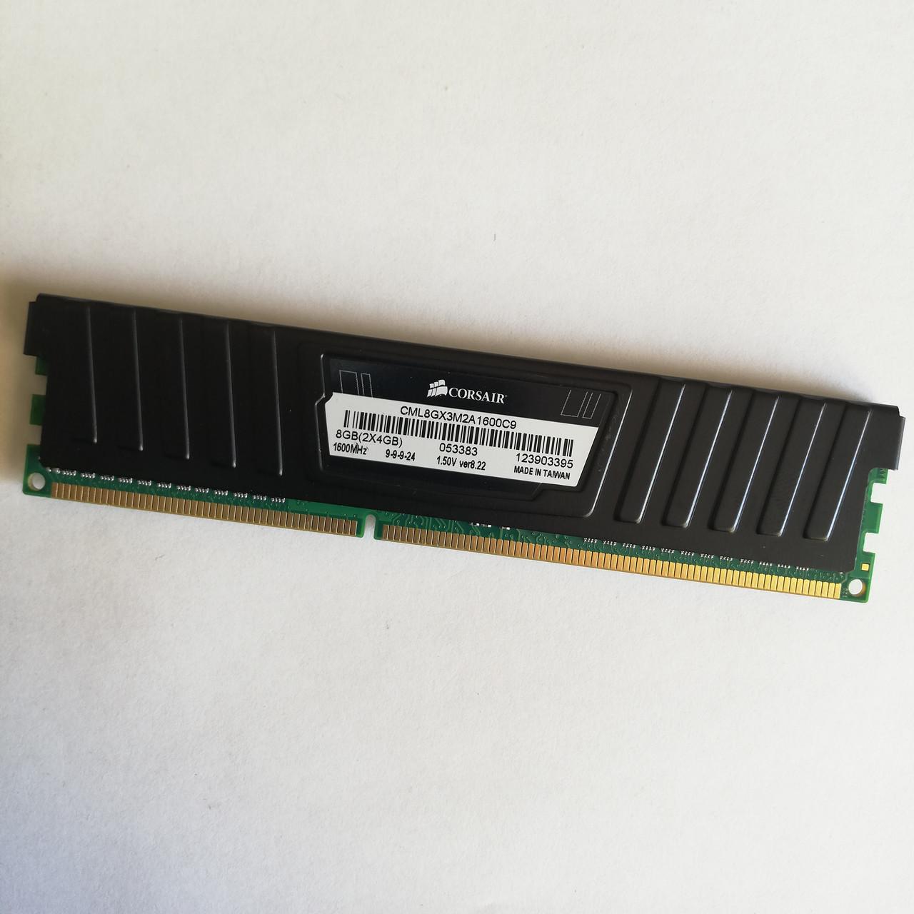 Игровая оперативная память Corsair DDR3 4Gb 1600MHz PC3 12800 CL9 (CML8GX3M2A1600C9) Б/У