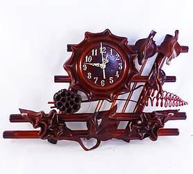 Настенные часы из кожи и бамбука Фентези