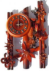 Настенные часы из кожи и бамбука Три паралели